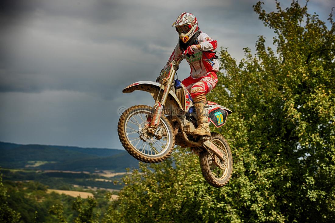 motocross-driver-jumping